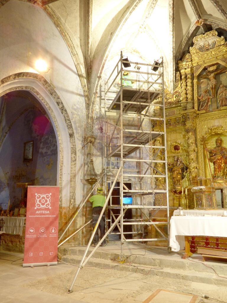 Investigación de las diferentes decoraciones murales de la iglesia de San Pedro en Sinués (Huesca).